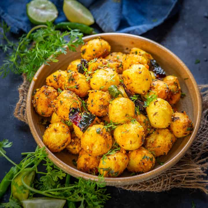 Sooji Balls are an interesting breakfast or snacks dish made using sooji or rava. Here is the recipe.