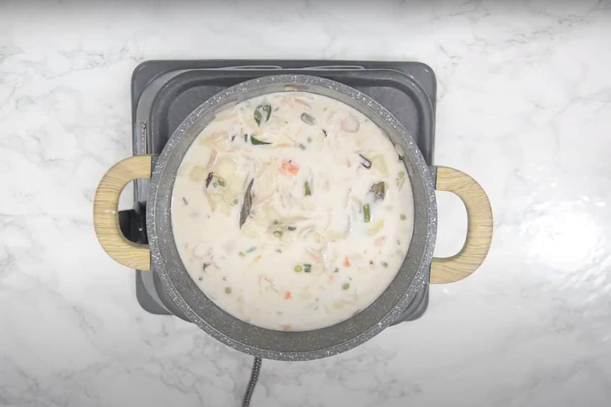 Ready vegetable stew.