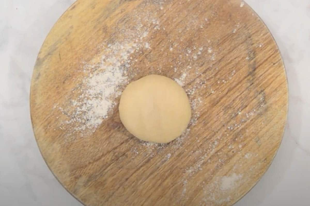 Dough ball ready to be rolled.
