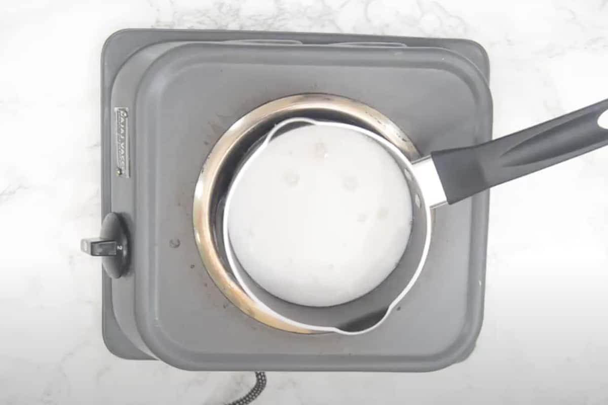 Ready coconut sauce.