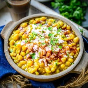 Ragda is a thick spicy curry made using dried white peas. It is used as a component of many chaat dishes like pani puri, radga pattice, samosa chaat, or ragda puri.