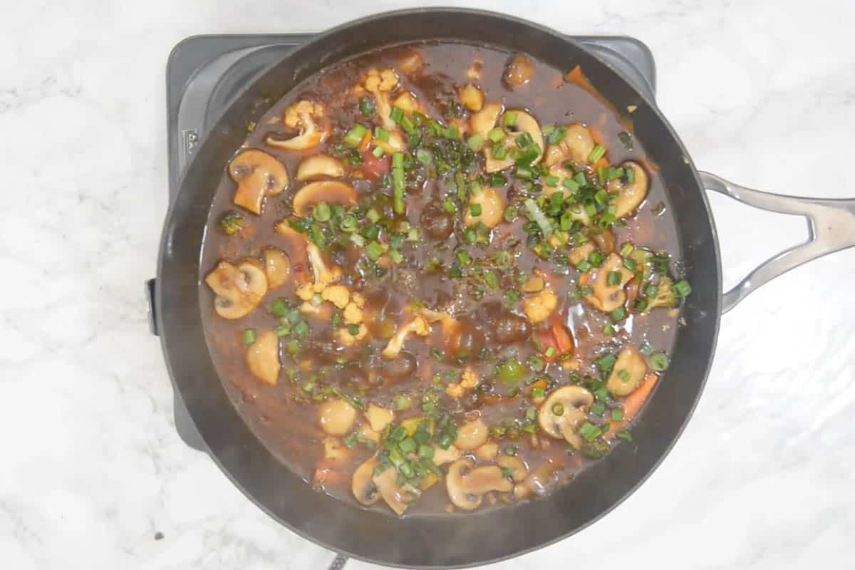 Ready vegetables in hot garlic sauce.