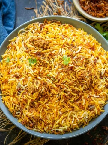 Make the best Hyderabadi mutton biryani using my simple and easy recipe. The juicy succulent mutton cooked with flavorful rice, this combination is to die for. I am sharing pakki biryani (most popular), kacchi biryani, and pressure cooker recipe below. Pick up whichever you want to try.