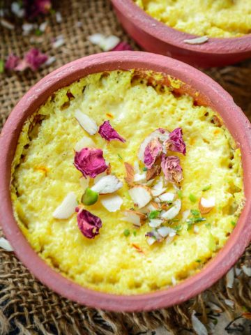 Kesar Phirni or Firni is a traditional Kashmiri dessert that is made using milk and rice. This Mughlai sweet is a treat to eat and is very easy to make. Here is how to make it.