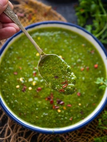 Try this flavorful 5-minute cilantro chimichurri, I am sure it will become your favorite condiment. This twist on a classic is vegan and gluten-free too.