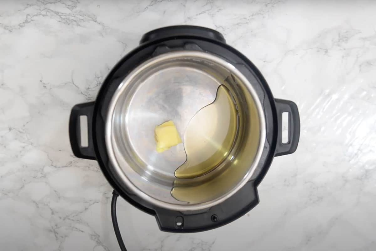 Butter and oil added in instant pot.