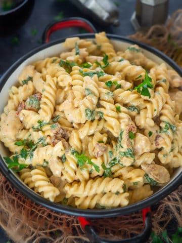 This smooth and creamy Italian Chicken Florentine Pasta needs minimal prep and gets done in under 30 minutes. If you are looking for an easy to make chicken dinner, then give it a try.