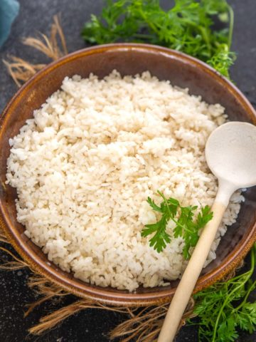 Make this quick and easy instant pot sticky rice in under 30 minutes with just 2 ingredients. Once you will make the sticky rice in instant pot, you will never go back to the traditional bamboo steamer method.