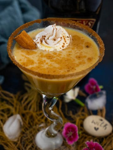 An incredible fall or winter cocktail, Pumpkin Spice Martini is loaded with flavors from real Pumpkin, Pumpkin Pie Spice, Baileys, and Vanilla. It comes together in 5 minutes and is perfect for warm and cozy evenings during holidays!