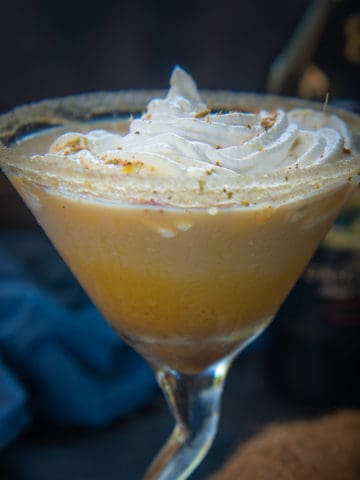 An incredible Fall or Winter Martini, Pumpkin Spice Martini is loaded with flavors from real Pumpkin, Pumpkin Pie Spice, Baileys, and Vanilla. You are definitely gonna love this drink with fall flavors!