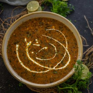 Slowly cooked and incredibly delicious, this slow cooker dal makhani is a must-try recipe. It is rich, buttery, creamy, and tastes just like your favorite North Indian restaurant's version.