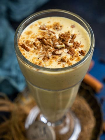 Loaded with fall flavors, this effortless Pumpkin Pie Smoothie is a great way to start your day. It is full of antioxidants, fibers, vitamins, and proteins and comes together in under 5 minutes.