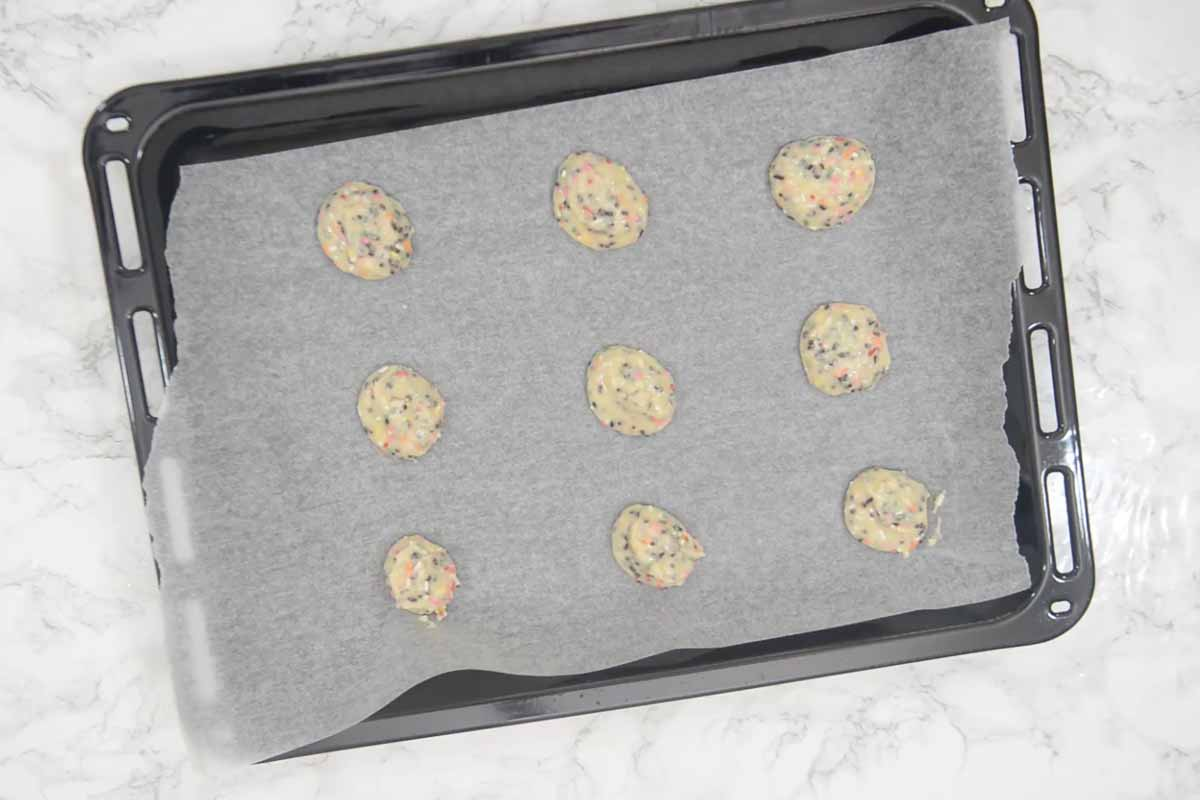 2 tbsp batter dropped on the baking sheet lined with kitchen tissue.