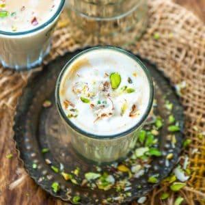 Amritsari dry fruit tea is a delicious twist on your regular masala chai. Make this Giani tea stall copycat badam pista tea recipe at home using my simple recipe.