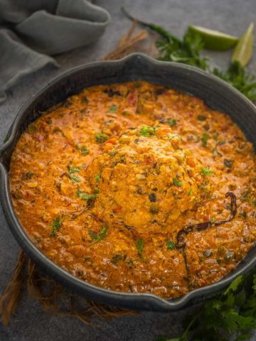 Make this creamy and delicious Mughlai gobi mussalam, which will be a great centrepiece for your festive or special meals. It tastes great with naan, tandoori roti or even matar pulao. Here is how to make it.