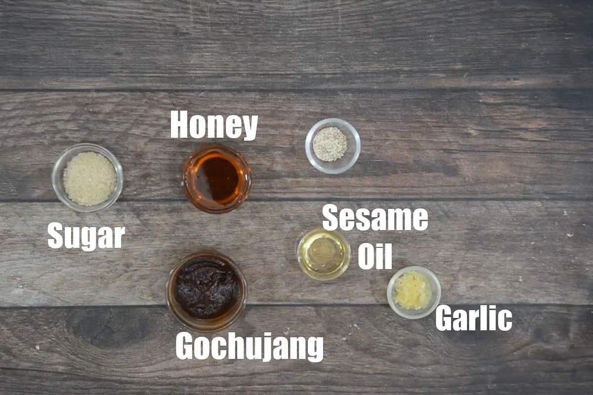 Gochujang dipping sauce ingredients.