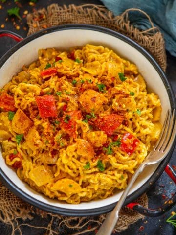 Want a twist in your regular Maggi? Then try this delicious and spicy Peri Peri Maggi that will be your new favorite 2 minutes snack. Here is how to make it.