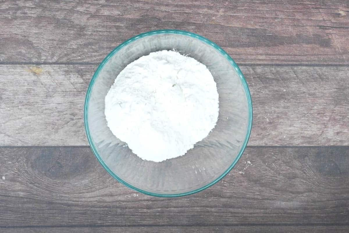 Flour, cornstarch and baking powder mixed in another bowl.