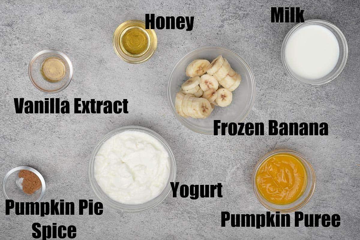 Pumpkin pie smoothie ingredients.