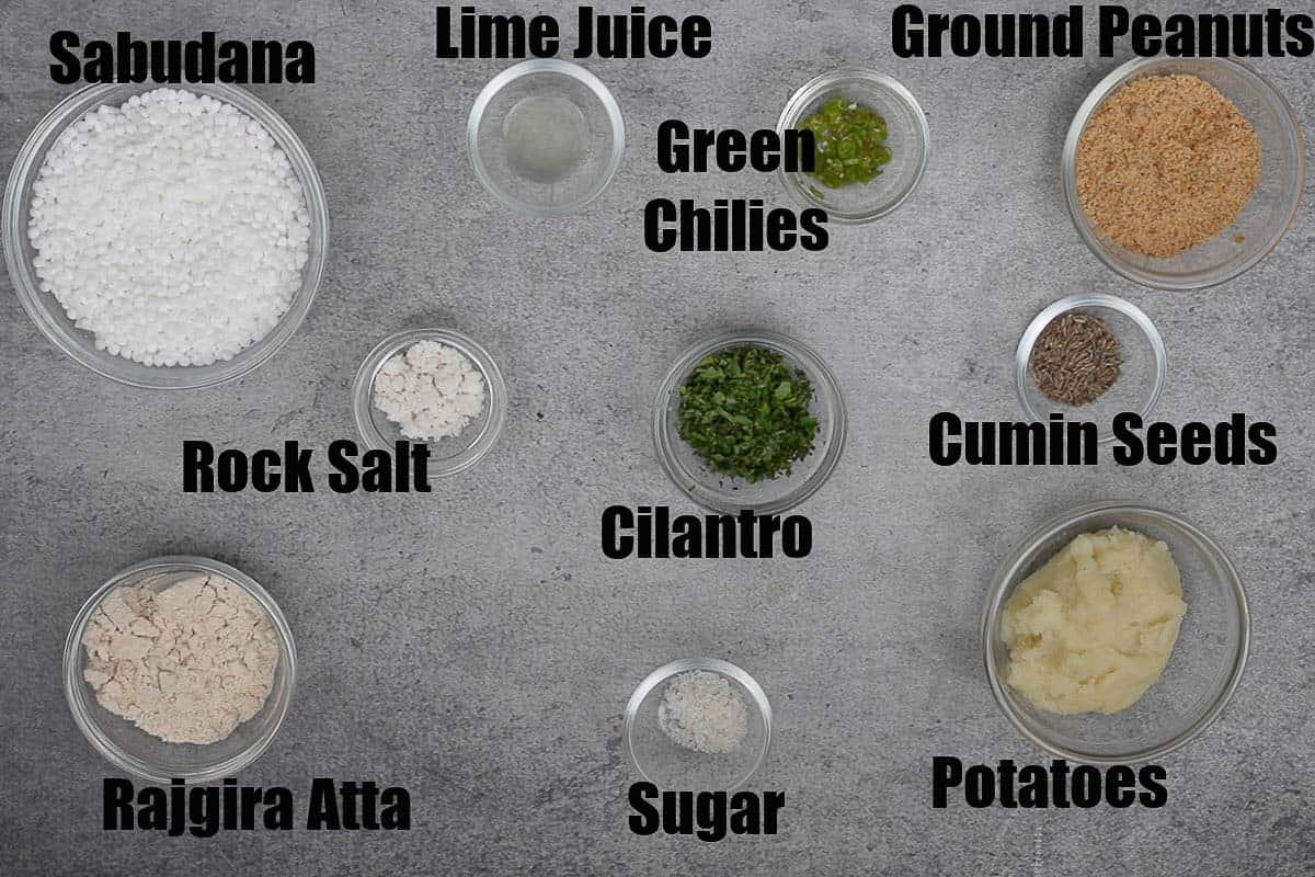 Sabudana Thalipeeth Ingredients.